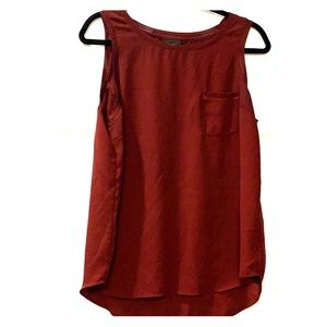 Mossimo maroon sleeveless tank with front pocket L